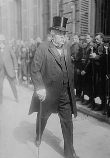 Clemenceau : « Le Parlement est le plus grand organisme qu'on ait inventé pour commettre des erreurs politiques, mais... »