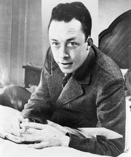 Camus : « Quand l'opprimé prend les armes au nom de la justice, il fait un pas sur la terre de l'injustice. »