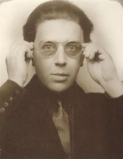 Breton : « Transformer le monde, a dit Marx. Changer la vie, a dit Rimbaud. Ces deux mots d'ordre pour nous n'en font qu'un. »