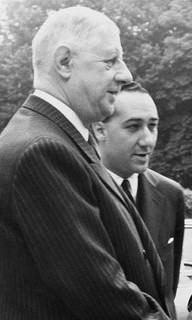 « Aujourd'hui ou demain, envers et contre tous, le traître de Gaulle sera abattu comme un chien enragé. »