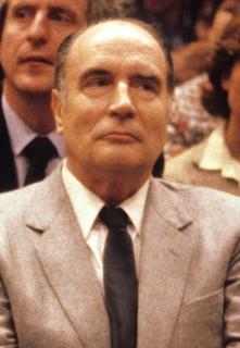 """Mitterrand : « Vous avez tendance à reprendre le refrain d'il y a sept ans, """"l'homme du passé""""... »"""