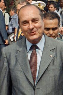 Chirac : « Que voulez-vous, je suis Français, et j'adore aller expliquer aux autres ce que je suis infoutu de faire chez moi. »