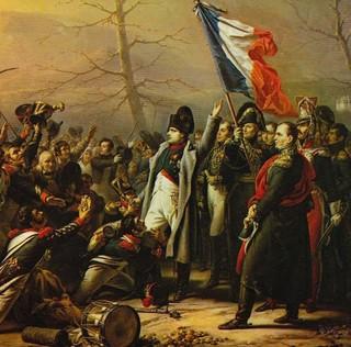 Napoléon : « S'il est parmi vous un soldat qui veuille tuer son empereur, me voilà ! »