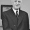 De Gaulle : « Si grand que soit le verre que l'on nous tend du dehors, nous préférons boire dans le nôtre, tout en trinquant aux alentours. »